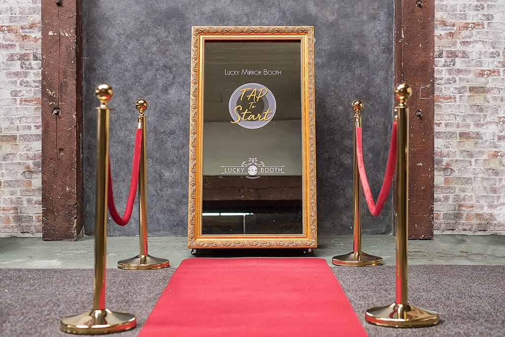 Mirror Booth Rental » Lucky Booth